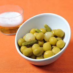 Olives et cornichons
