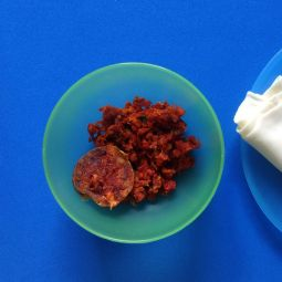 scharf gehackte Chorizo