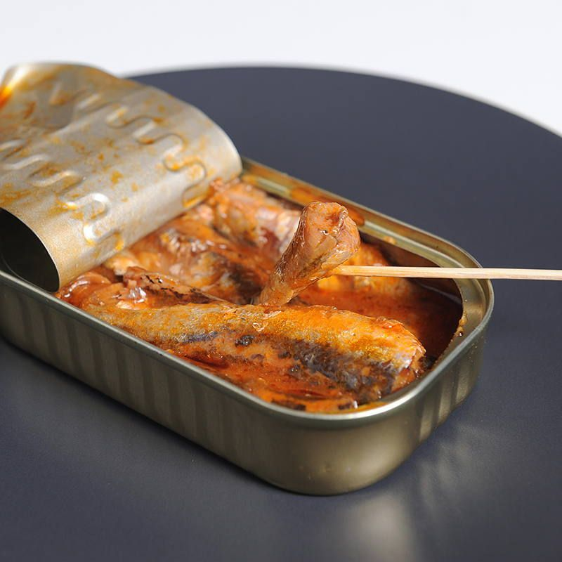 Sardinillas en salsa de tomate
