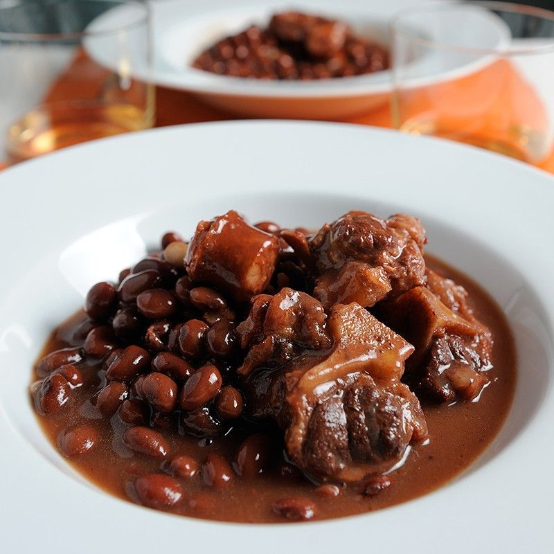 Black Beans with Oxtail