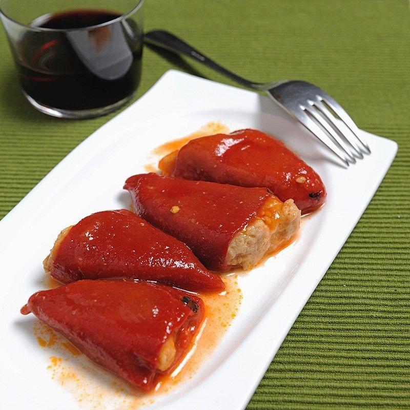 Piquillo Paprika mit Stockfisch und Garnelen gefüllt