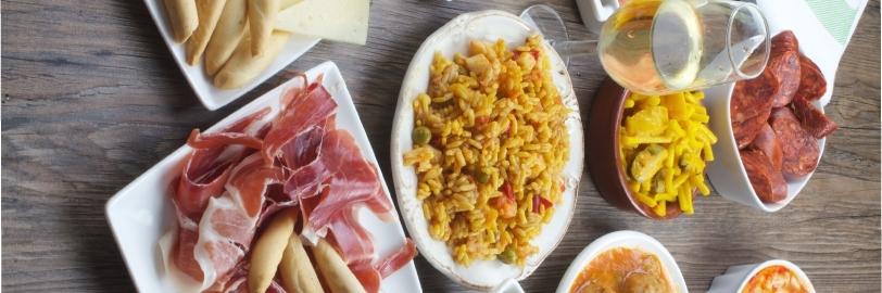 Jamón de cerdo y nueve platos de comida española ideales para el verano.