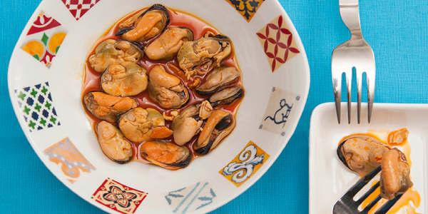 eingelegten Muscheln und zehn spanische Tapas, um den Sommer zu genießen